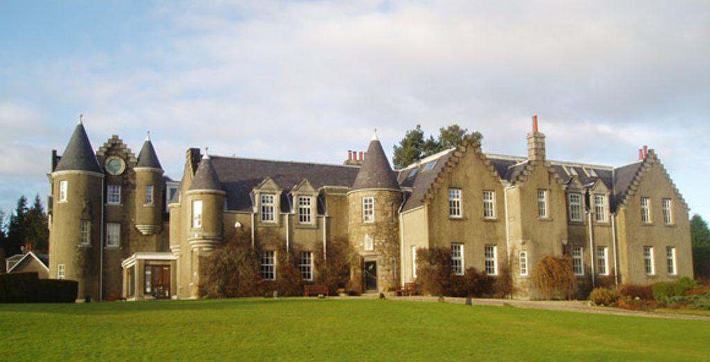 - Dalmunzie Castle**** -  North Perthshire - Scotland Perthshire