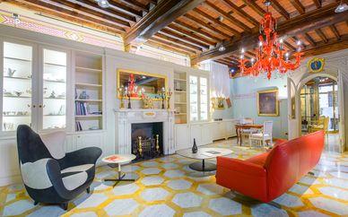 N°15 Santori Luxury Home
