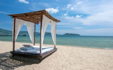 Siripanna Villa Resort & spa 5* + Somerset Park Suanplu Bangkok 4* + Thavorn Beach Village Resort & Spa 4*