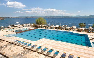 Ramada Loutraki Poseidon Resort by Wyndham 4*