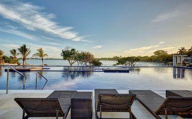 The Fairwind Hotel Miami 3* & Royalton Negril 5*