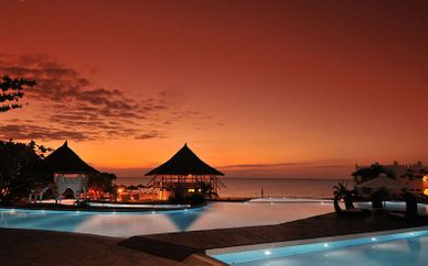 Jacaranda Indian Ocean Beach Resort 4* & Safari