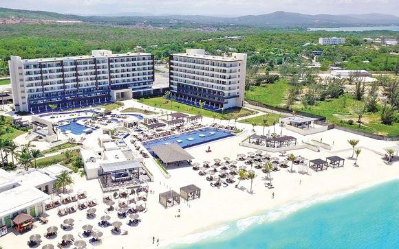 Royalton Blue Waters Hotel 5* in Montego Bay