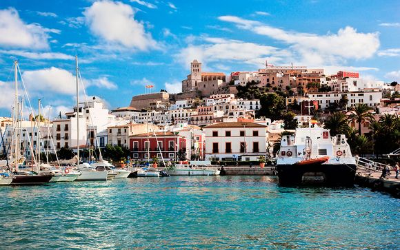 Vive una lujosa Semana Santa en Ibiza