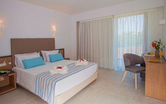 Minos Aparthotel and Suites 4*