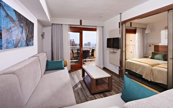 Hotel Marconfort Benidorm Suites 4*