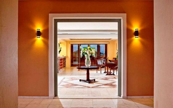 El Hotel Astro Palace le abre sus puertas