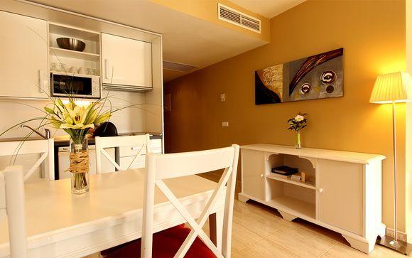 El La Pérgola Aparthotel 4* le abre sus puertas
