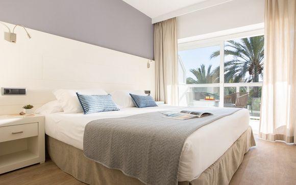 Las Gaviotas Suites Hotel 4*