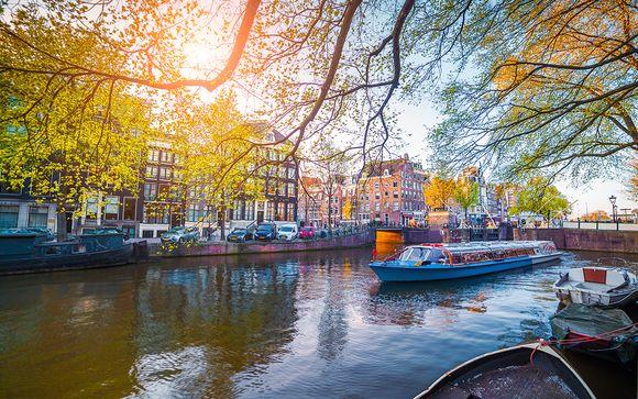 Pillows Anna van den Vondel Amsterdam 4*