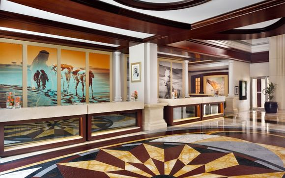 Mövenpick Hotel & Apartments Bur Dubai 5*