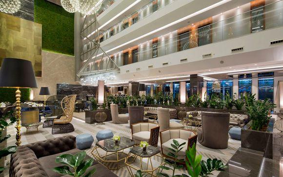 El Hotel DoubleTree by Hilton Istanbul - Piyalepasa 5* le abre sus puertas