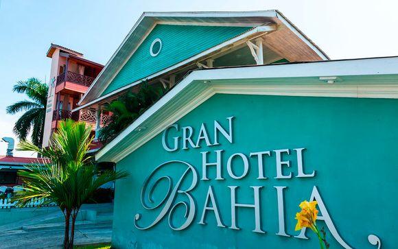 3, 5 o 7 noches (a su elección) en Gran Hotel Bahía, en Bocas Town