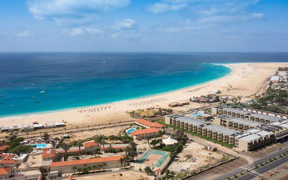 Hotel Oasis Salinas Sea 5*