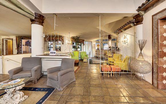 Poussez les portes du Grand Hotel In Porto Cervo 4*