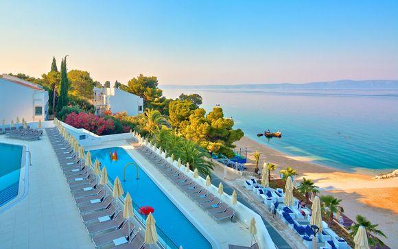 Medora Auri Family Beach Resort 4*