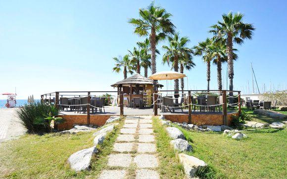 Poussez les portes de votre Aregai Marina Hotel & Residence 4*