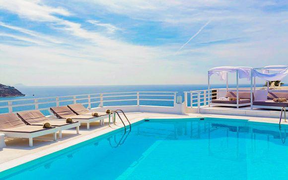 Sublime balcon sur la mer Égée