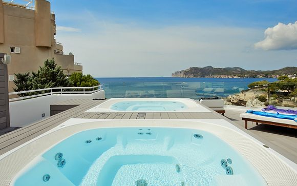 FERGUS Style Cala Blanca Suites 4*