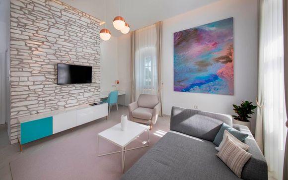 Lazure Marina & Hotel 5*