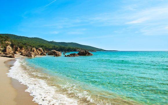 Benessere e relax a 4* con vista sulla marina di Porto Pollo