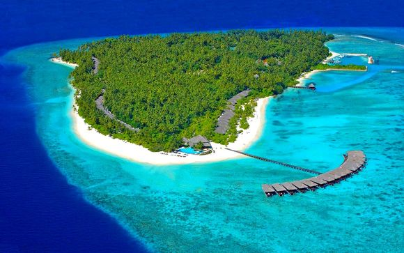 Filitheyo Island Resort & Spa 4*