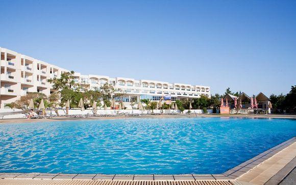 Sovereign Beach Resort 4*