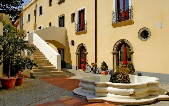 L'Hotel Villa Meligunis 4*