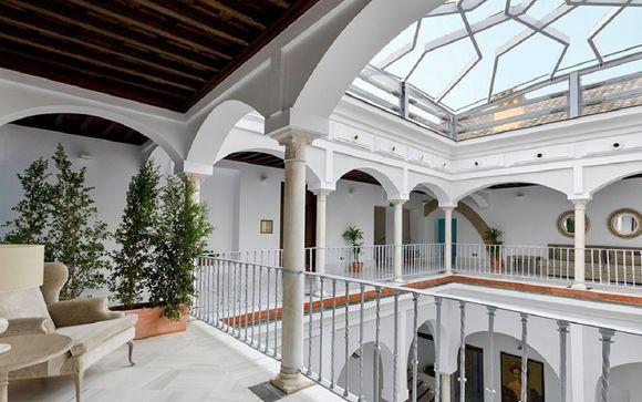 Fascino andaluso in antico palazzo del 500 nel centro storico