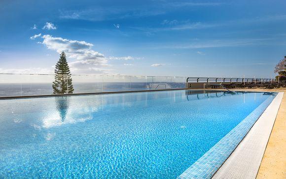 Moderno 4* con piscina e vista panoramica