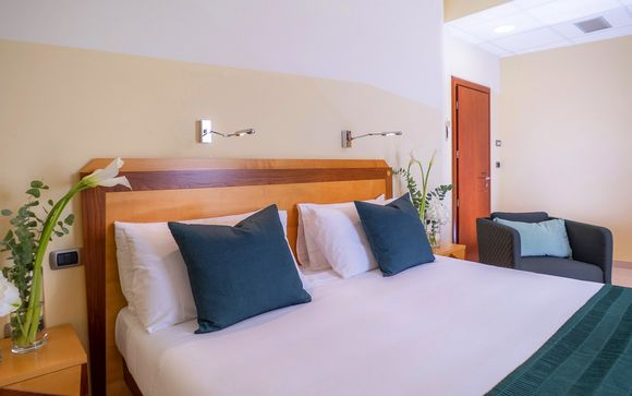 Piccadilly Suites and Rooms