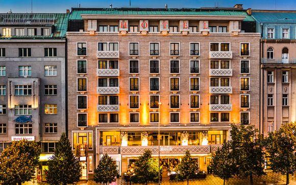 L'Hotel Jalta 4*