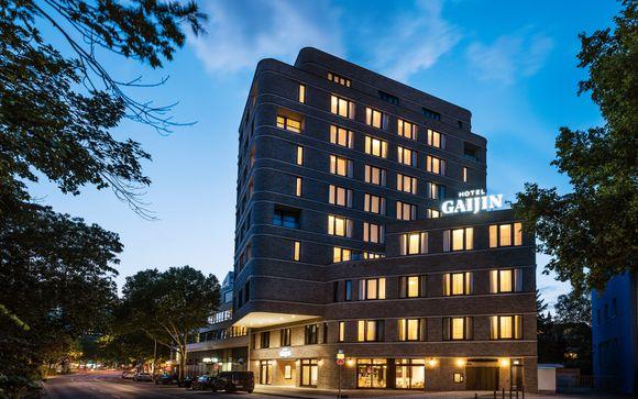 Gaijin Hotel 4*