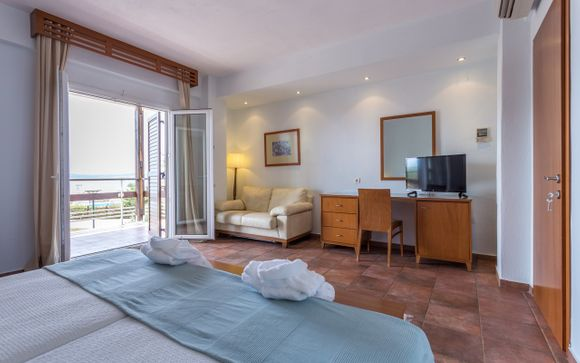 Xenia Ouranoupolis Hotel 4*