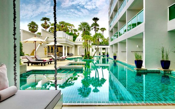 LiT Bangkok Hotel 5* + Chanalai Romantica 4* - Adults Only