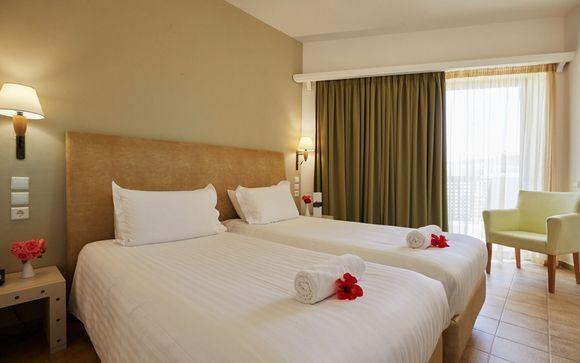 Santa Marina Beach Resort 4*