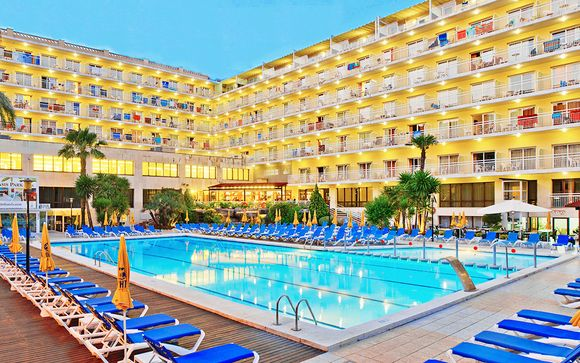 Hotel Oasis Park & Spa 4*