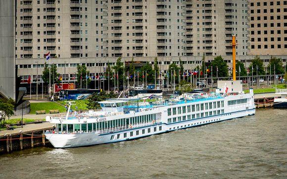 Boat-Hotel MS Carmen 4*