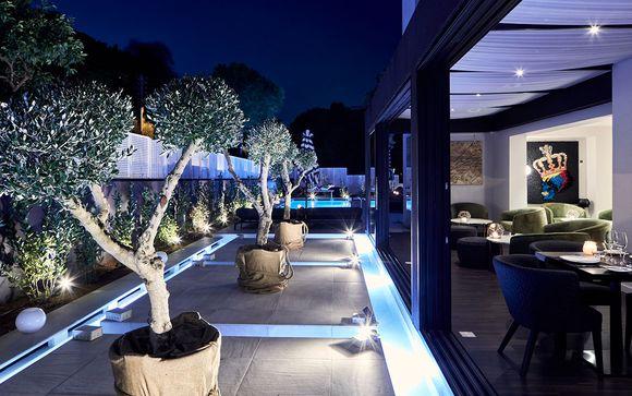 Azur Hotel 4*