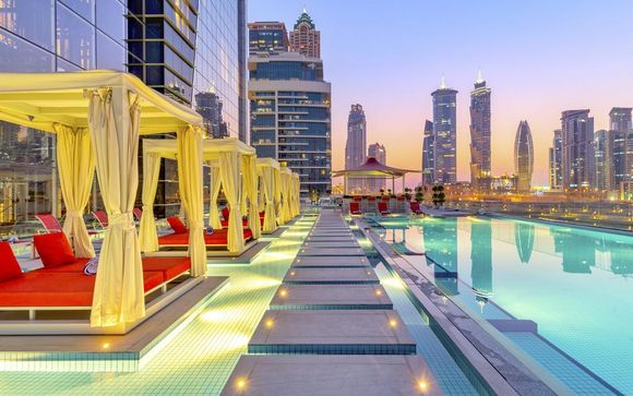 Canal Central Hotel Business Bay 5* & Dubai City, Cruise & Desert Excursions