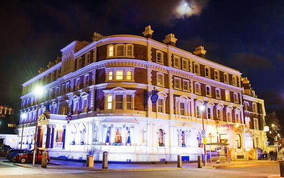 Hallmark Hotel Chester The Queen 4*