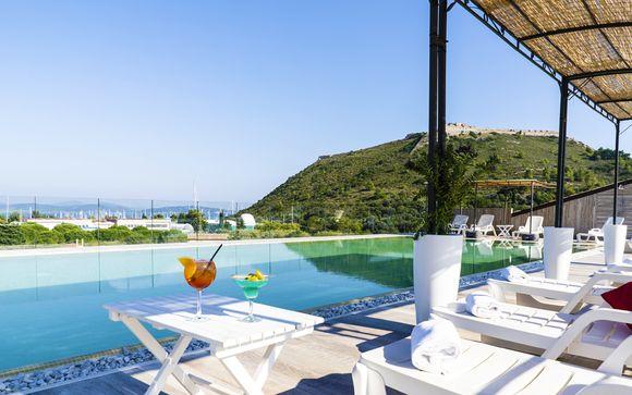 Modern Luxury in Charming Seaside Town