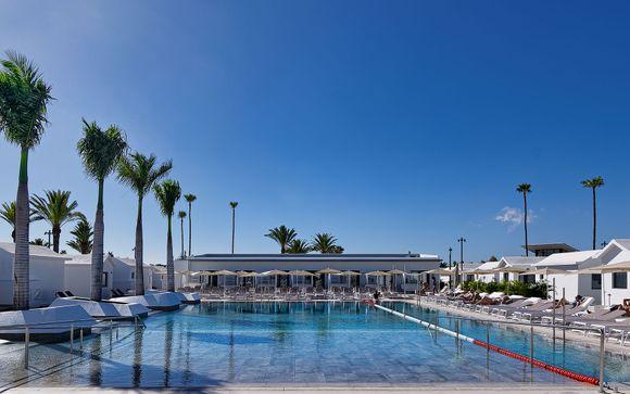 Luxurious Barcelona Buzz & Gran Canaria Relaxation