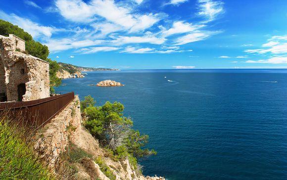 Tossa de Mar, en Costa Brava, te espera