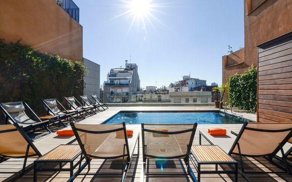 Hotel elegante con terrazza panoramica in centro città