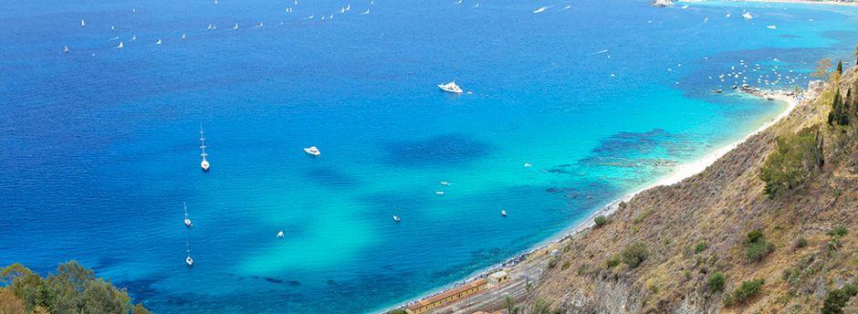 Scegli le nostre offerte per le vacanze in famiglia a Giardini-Naxos, in Sicilia!